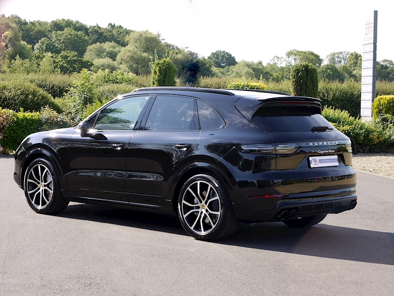 Porsche Cayenne Turbo V8 - New Model - Large 31