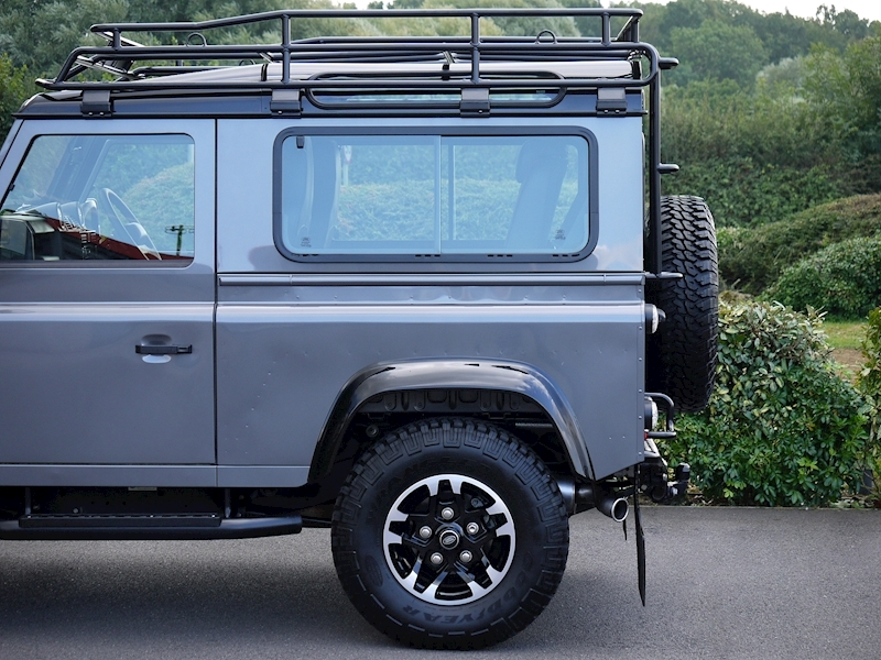 Land Rover Defender 90 Adventure Edition - 1 of 600 - Large 3