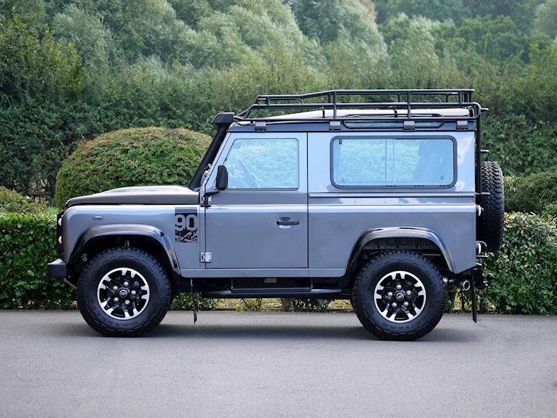 Land Rover Defender 90 Adventure Edition - 1 of 600 - Large 4