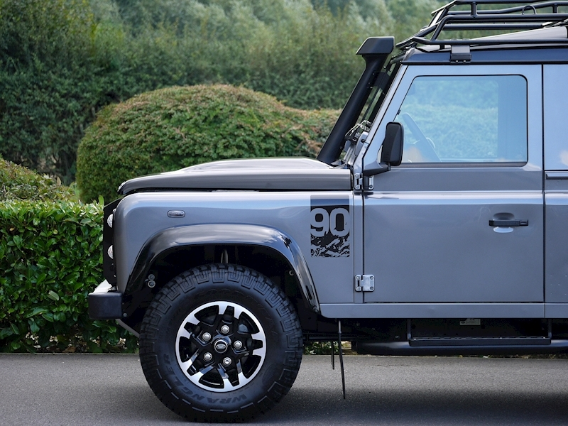 Land Rover Defender 90 Adventure Edition - 1 of 600 - Large 8