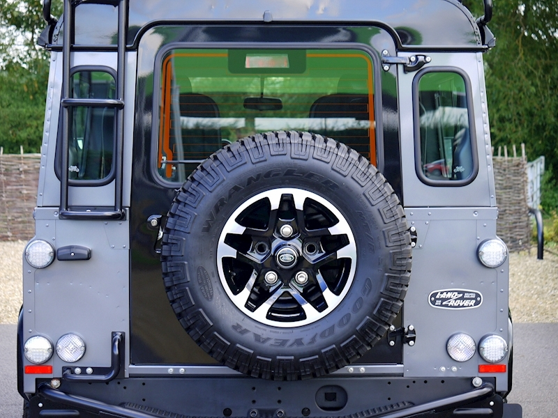 Land Rover Defender 90 Adventure Edition - 1 of 600 - Large 10