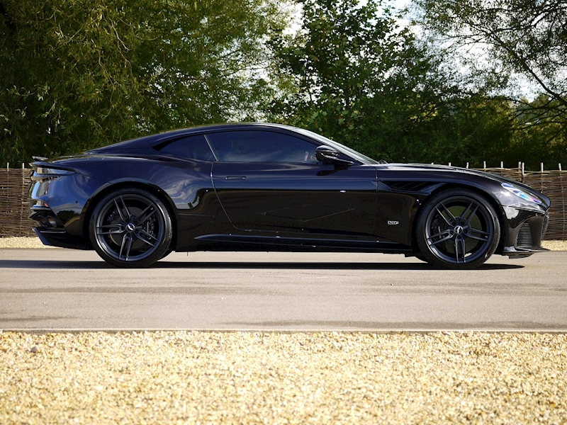 Aston Martin DBS Superleggera - Large 15