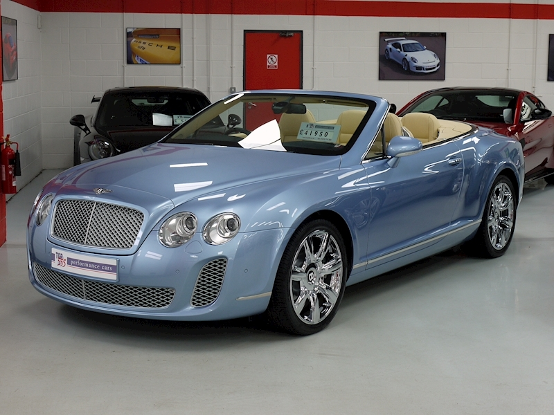 Bentley Continental GTC 6.0 W12 - Large 0