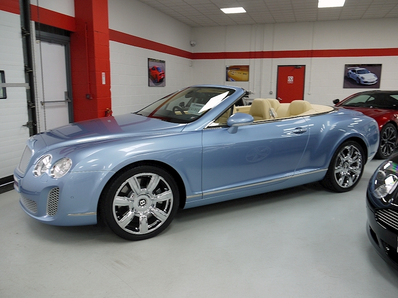 Bentley Continental GTC 6.0 W12 - Large 3
