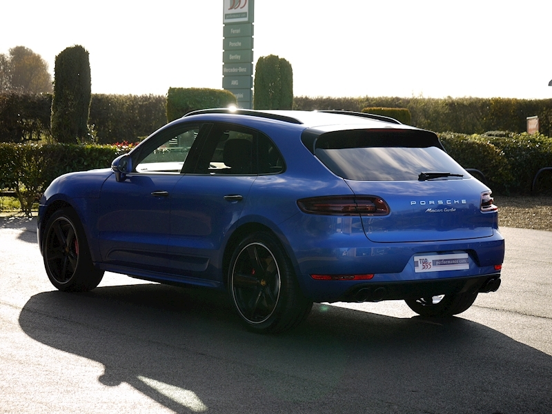 Porsche Macan Turbo with Performance Package 3.6 PDK - Large 11