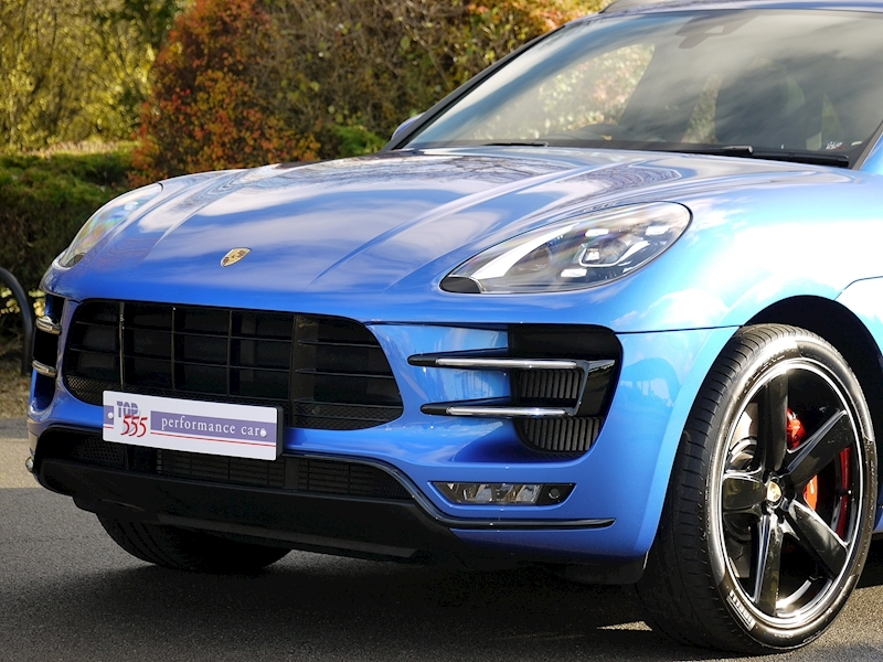 Porsche Macan Turbo with Performance Package 3.6 PDK - Large 18