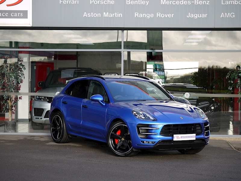 Porsche Macan Turbo with Performance Package 3.6 PDK - Large 30