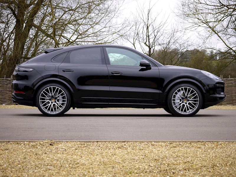 Porsche Cayenne Turbo Coupe 4.0 V8 - New Model - Large 3