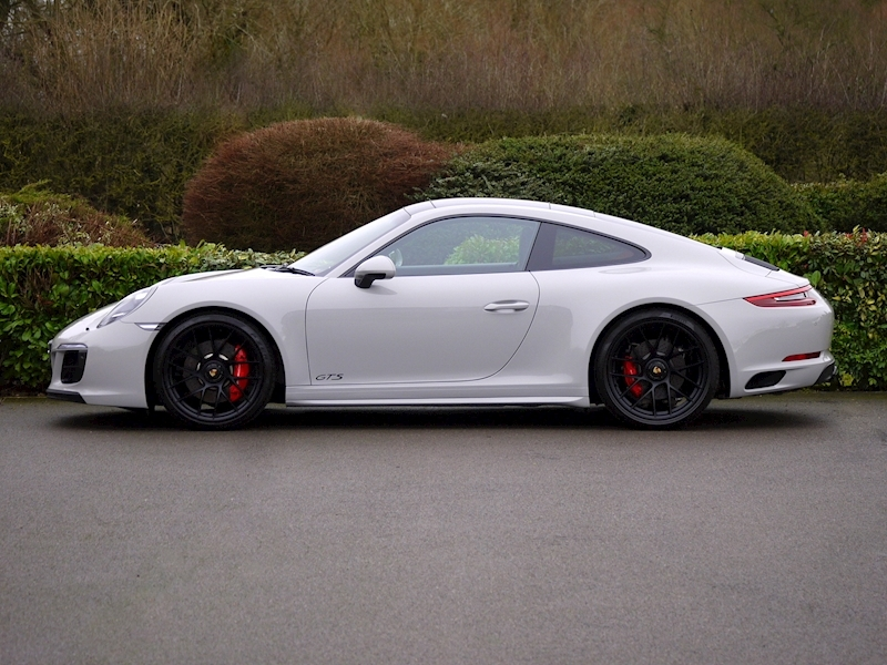 Porsche 911 (991.2) Carrera 4 GTS Coupe 3.0 PDK - Large 5