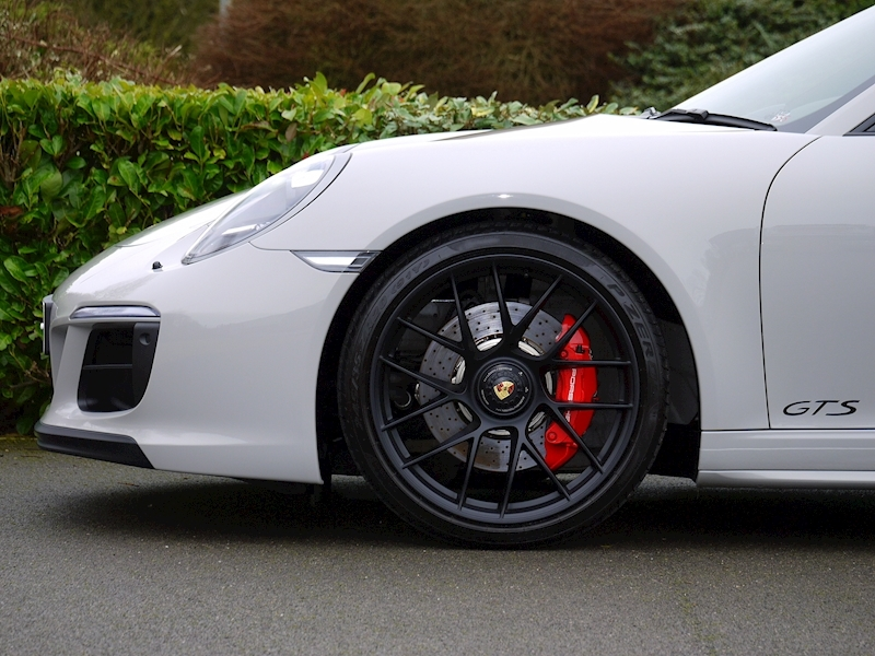 Porsche 911 (991.2) Carrera 4 GTS Coupe 3.0 PDK - Large 10