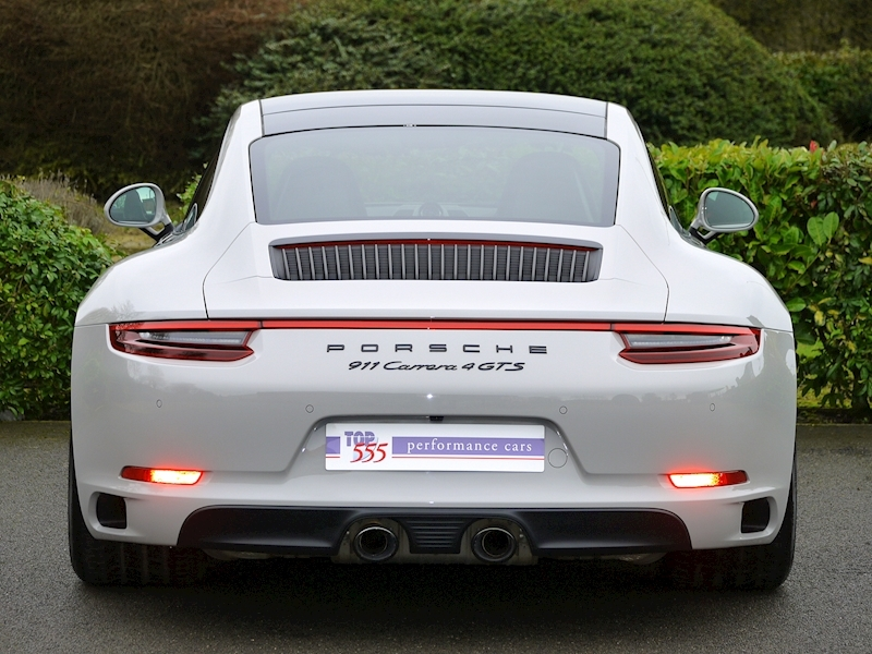 Porsche 911 (991.2) Carrera 4 GTS Coupe 3.0 PDK - Large 12
