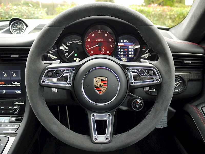 Porsche 911 (991.2) Carrera 4 GTS Coupe 3.0 PDK - Large 27
