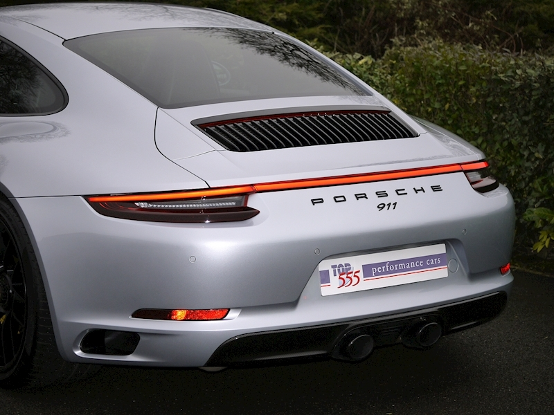 Porsche 911 (991.2) Carrera 4 GTS Coupe 3.0 PDK - Large 4
