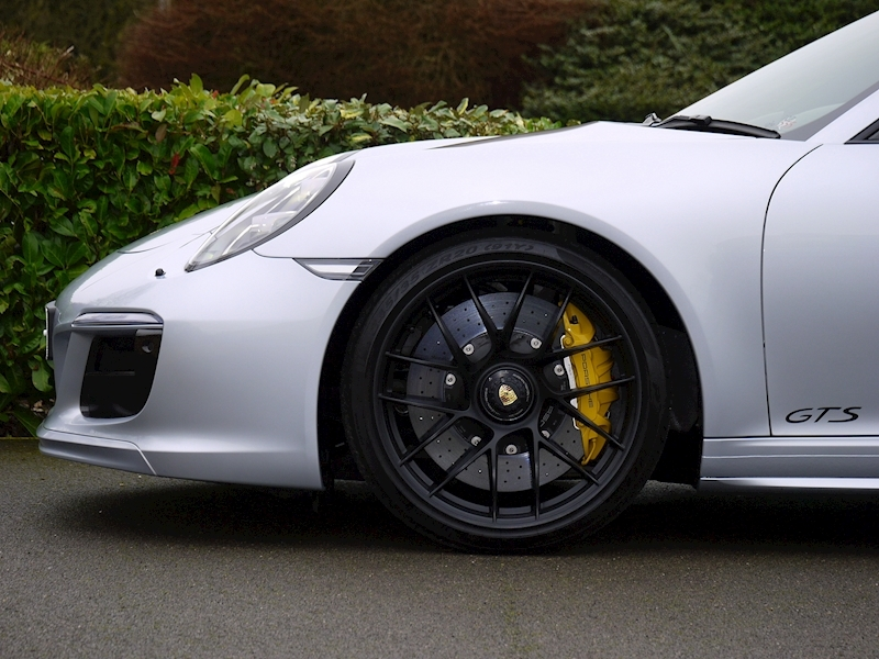 Porsche 911 (991.2) Carrera 4 GTS Coupe 3.0 PDK - Large 11
