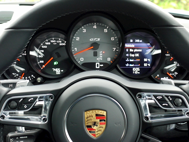 Porsche 911 (991.2) Carrera 4 GTS Coupe 3.0 PDK - Large 30