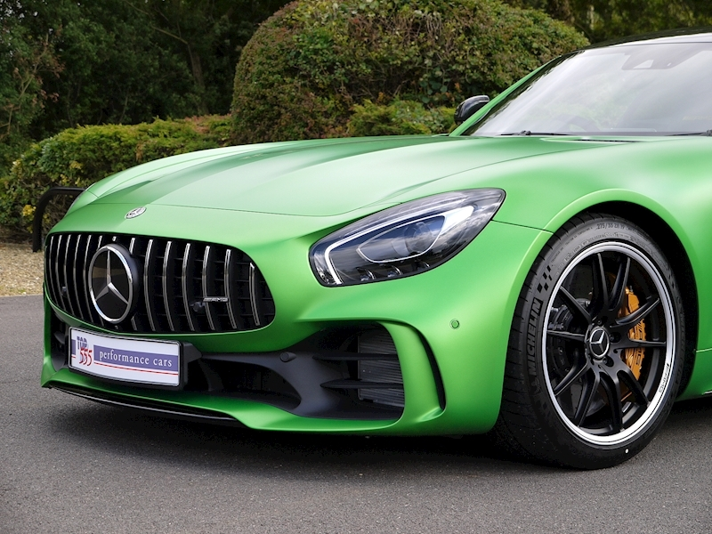 Mercedes-Benz AMG GT R (Premium) 4.0 Coupe - Large 27