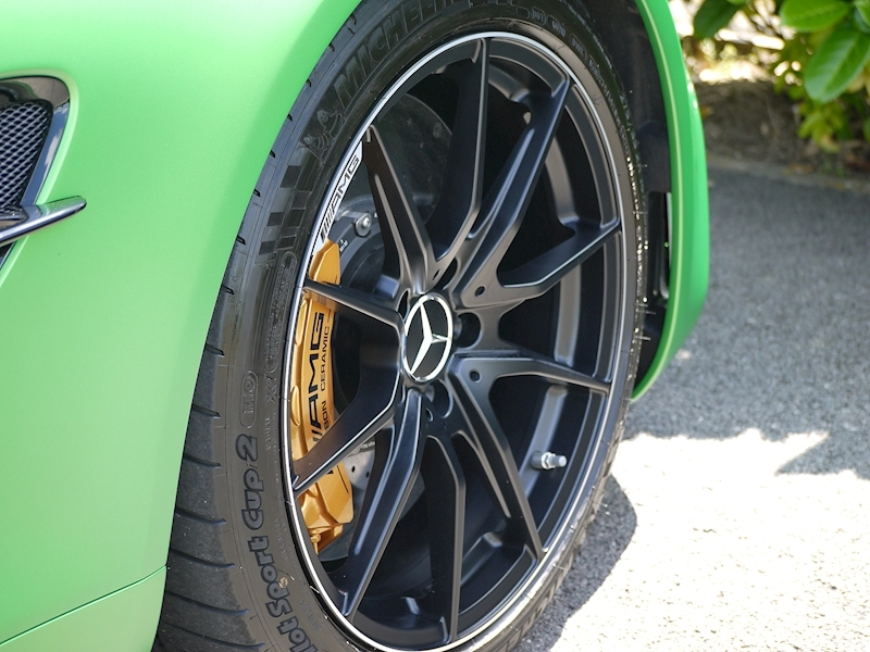 Mercedes-Benz AMG GT R (Premium) 4.0 Coupe - Large 17