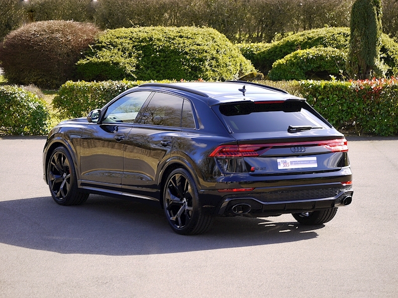 Audi RSQ8 4.0 V8 - Carbon Black Edition - Large 0