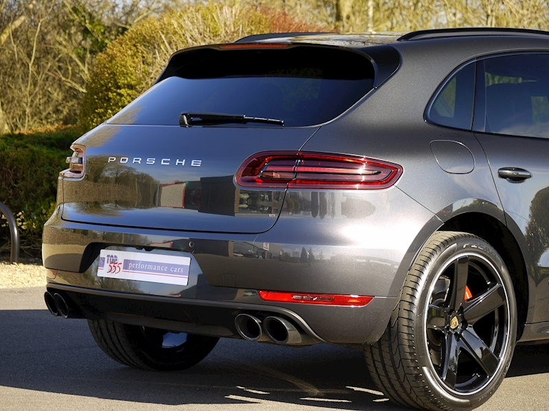 Porsche Macan Turbo with Performance Package 3.6 PDK - Large 15