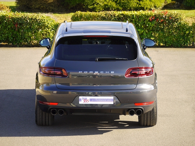Porsche Macan Turbo with Performance Package 3.6 PDK - Large 17