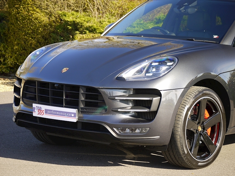 Porsche Macan Turbo with Performance Package 3.6 PDK - Large 20
