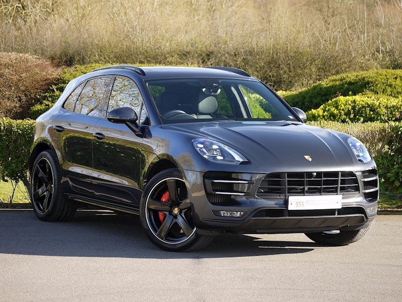 Porsche Macan Turbo with Performance Package 3.6 PDK - Large 24