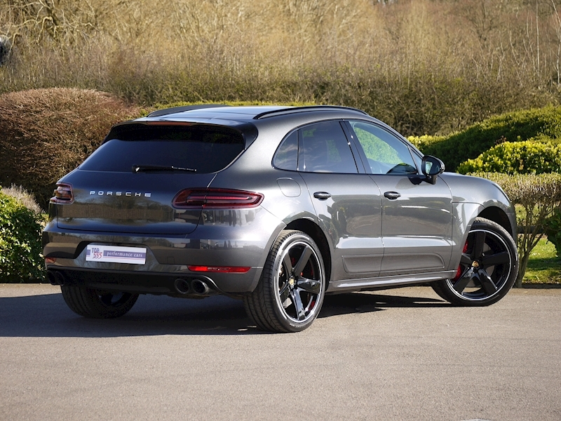 Porsche Macan Turbo with Performance Package 3.6 PDK - Large 25