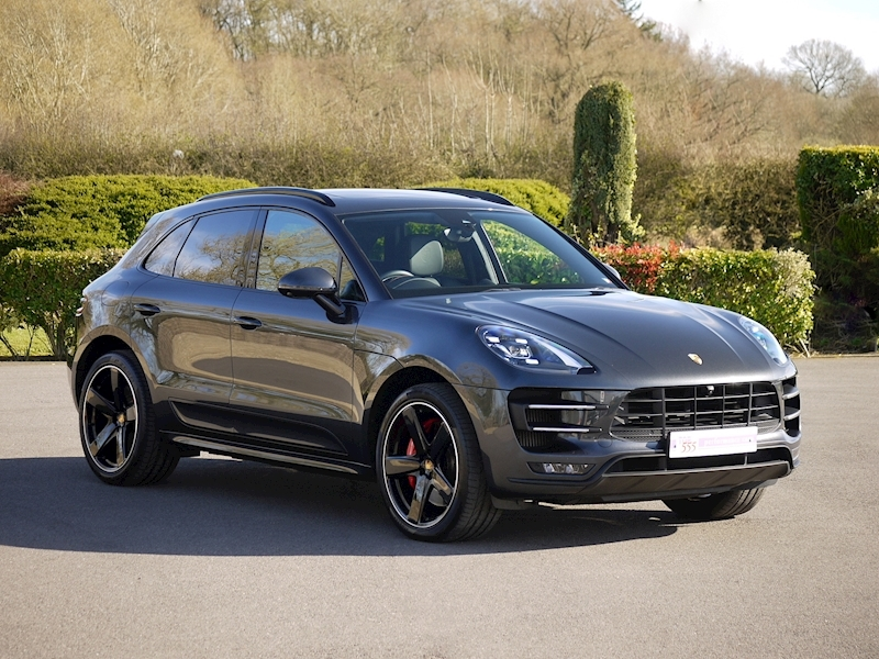 Porsche Macan Turbo with Performance Package 3.6 PDK - Large 31