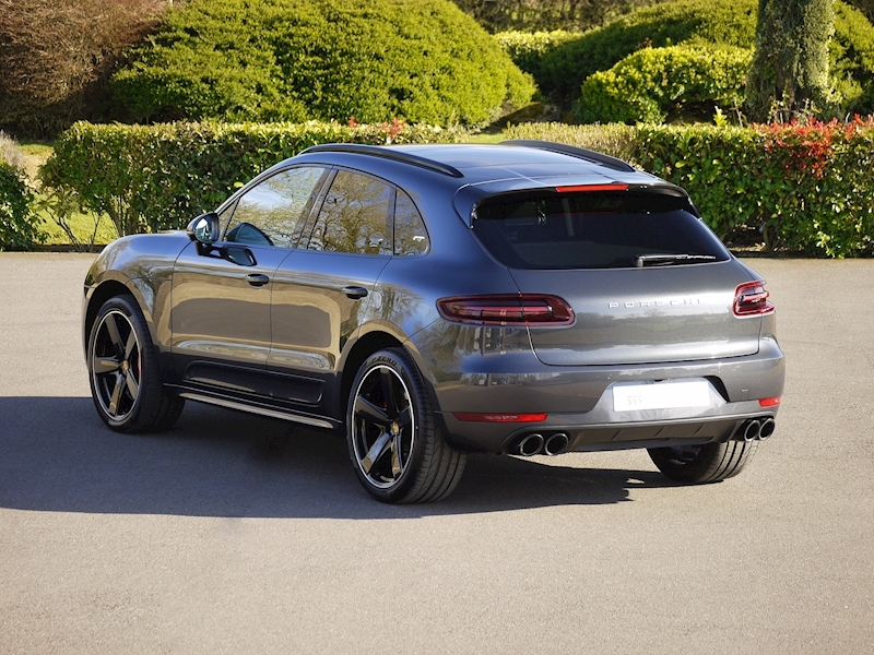 Porsche Macan Turbo with Performance Package 3.6 PDK - Large 0