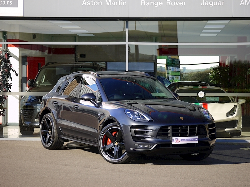 Porsche Macan Turbo with Performance Package 3.6 PDK - Large 32