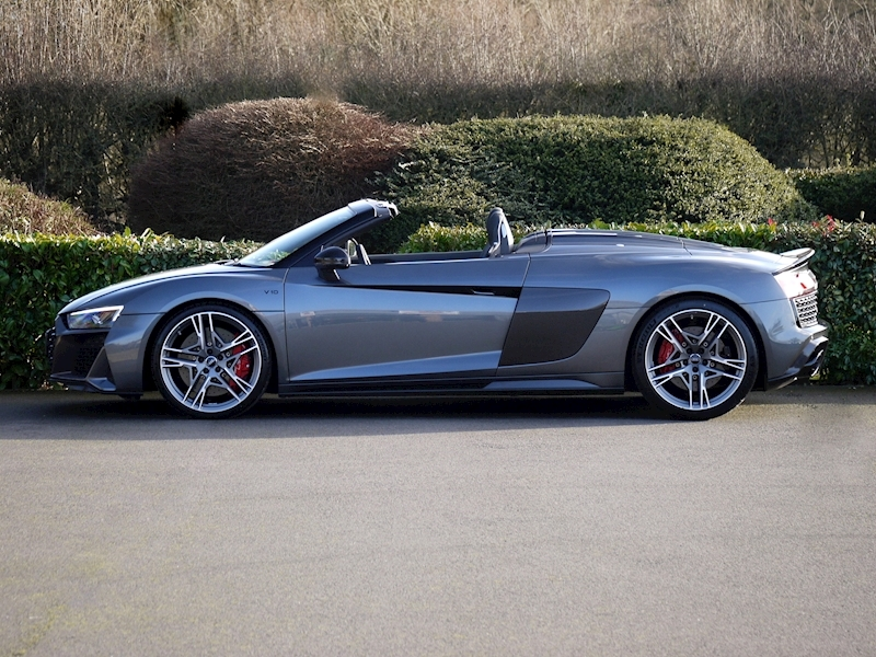 Audi R8 V10 Spyder Performance Carbon Black Edition - Large 10
