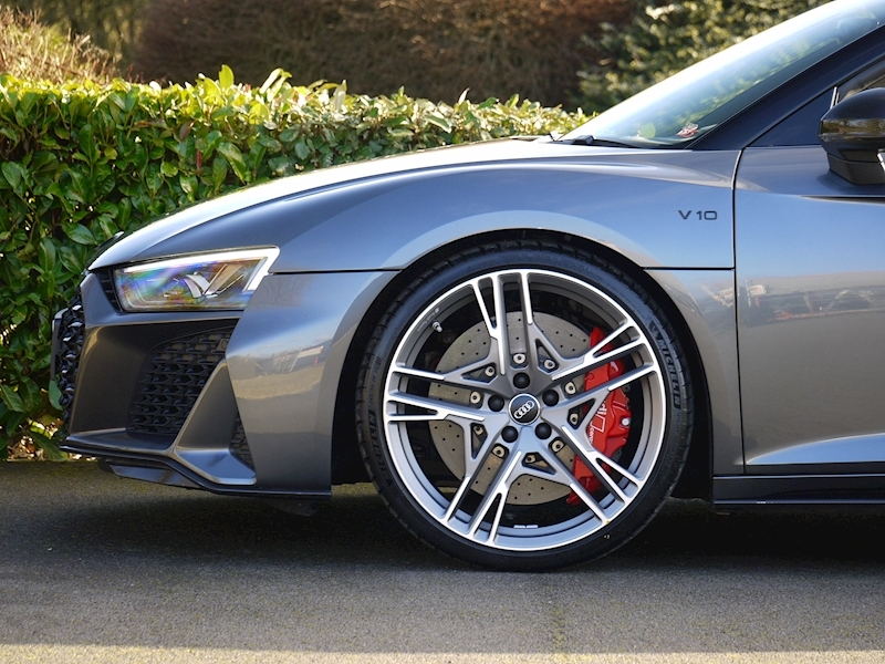 Audi R8 V10 Spyder Performance Carbon Black Edition - Large 11