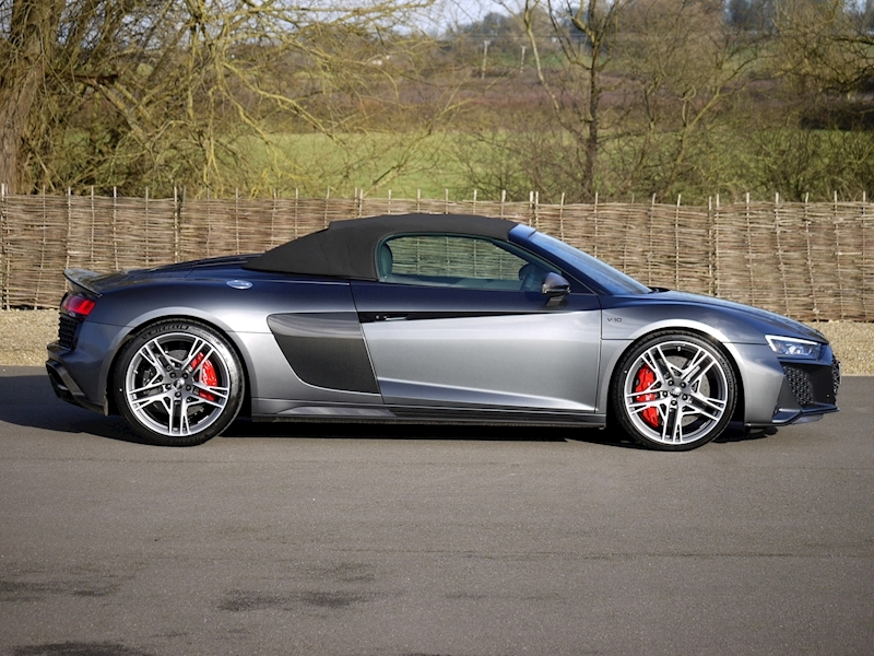 Audi R8 V10 Spyder Performance Carbon Black Edition - Large 30