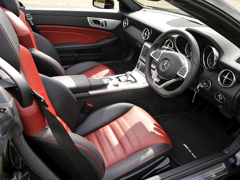 Mercedes-Benz SLC 300 AMG LINE 2.0 ROADSTER - Large 2