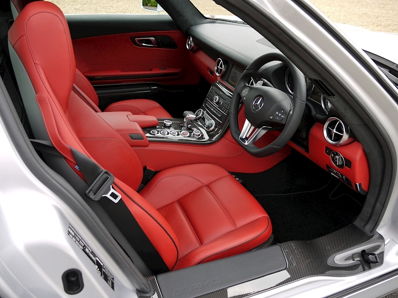 Mercedes-Benz SLS AMG Coupe 6.2 - Large 2