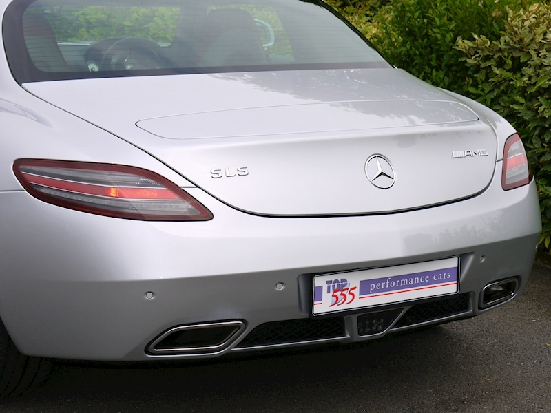 Mercedes-Benz SLS AMG Coupe 6.2 - Large 5