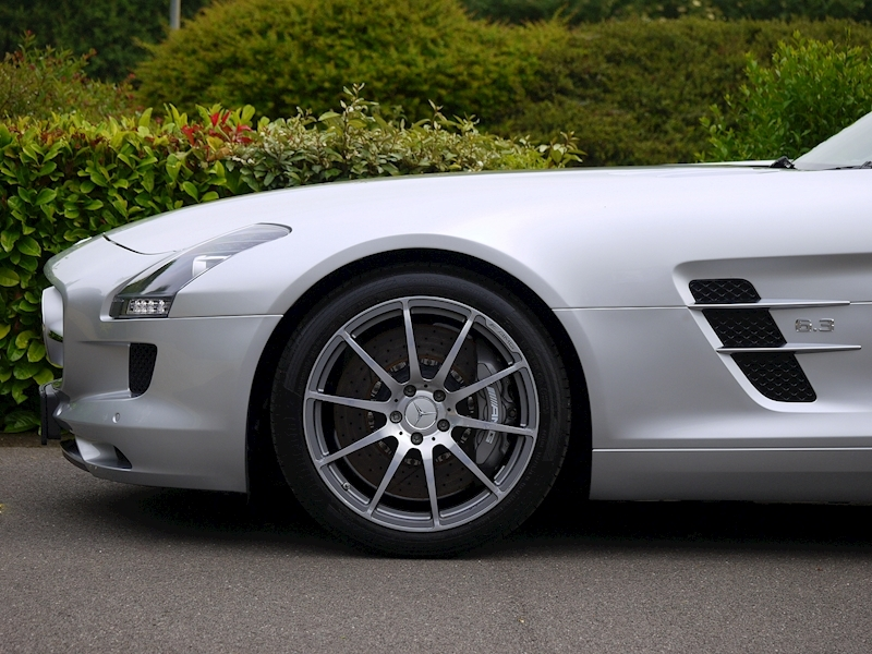 Mercedes-Benz SLS AMG Coupe 6.2 - Large 7