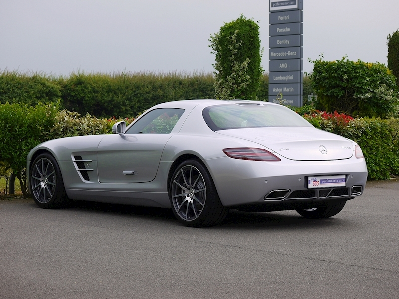 Mercedes-Benz SLS AMG Coupe 6.2 - Large 12