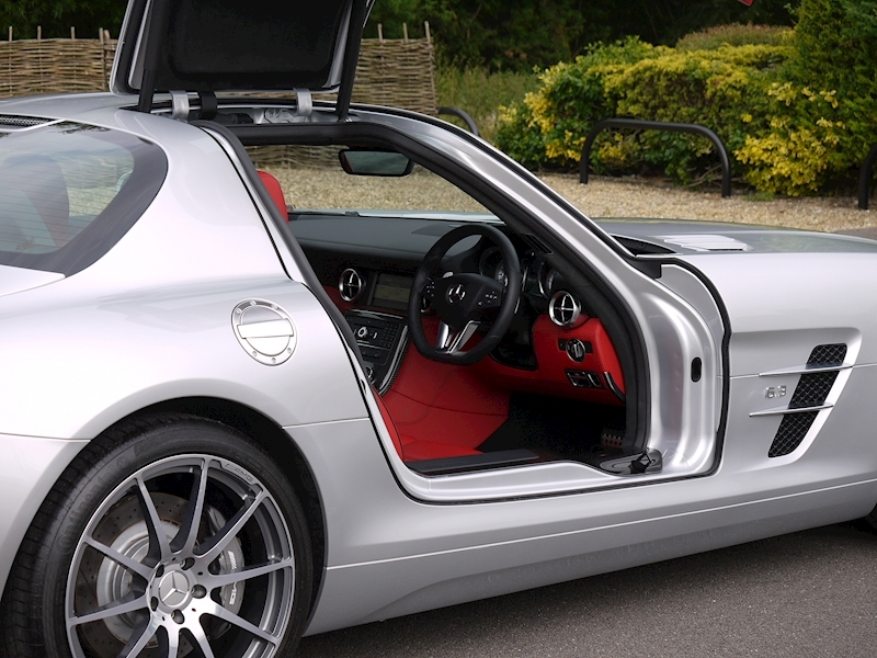 Mercedes-Benz SLS AMG Coupe 6.2 - Large 17