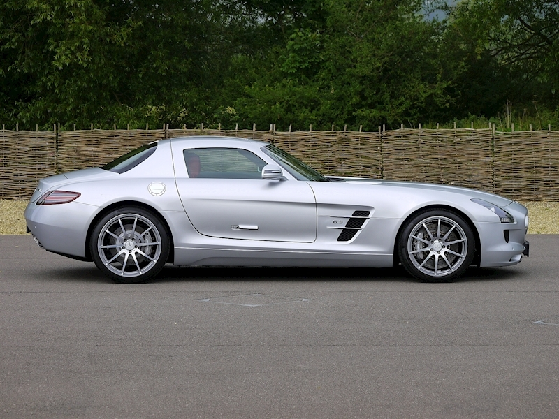 Mercedes-Benz SLS AMG Coupe 6.2 - Large 18