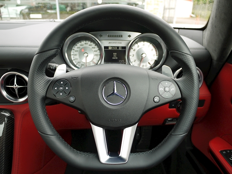 Mercedes-Benz SLS AMG Coupe 6.2 - Large 29