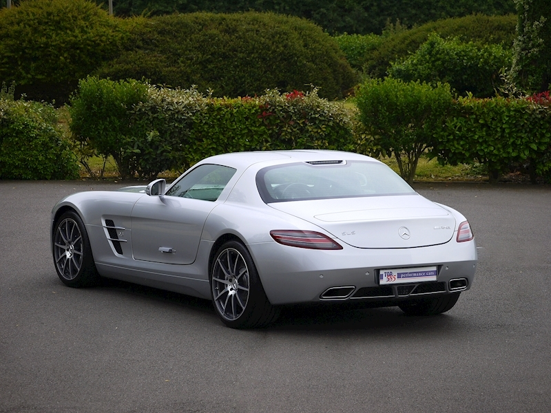 Mercedes-Benz SLS AMG Coupe 6.2 - Large 35