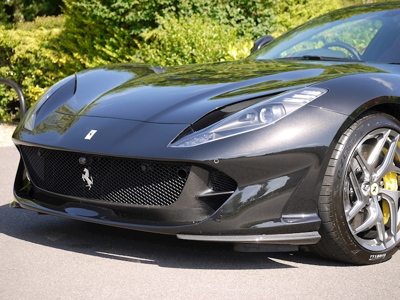 Ferrari 812 Superfast 6.5 V12 - Large 29