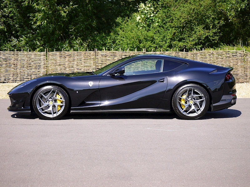 Ferrari 812 Superfast 6.5 V12 - Large 30