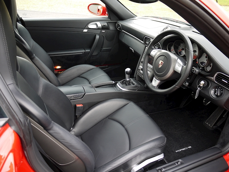 Porsche 911 (997.1) Turbo Coupe 3.6 - Manual - Large 2