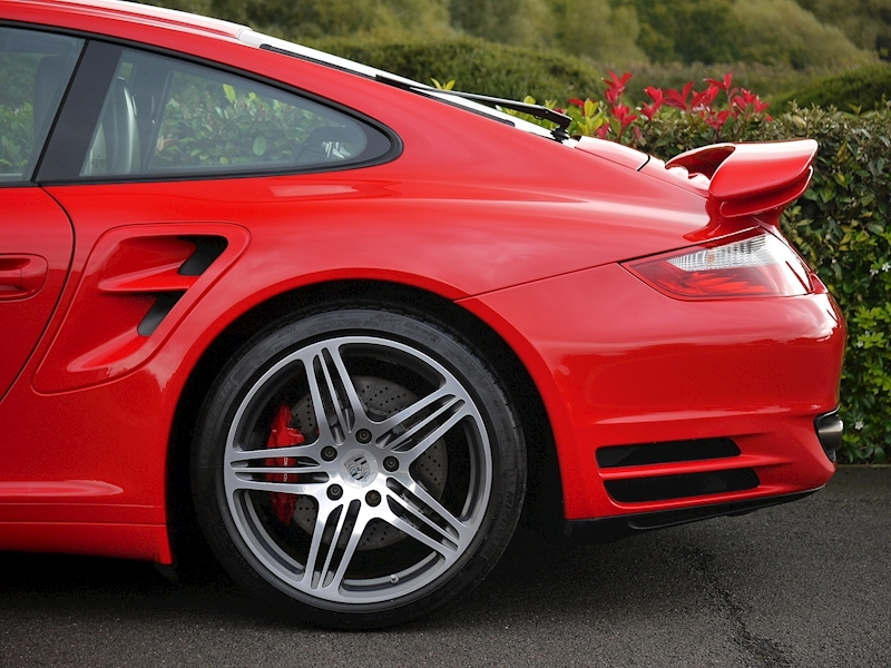 Porsche 911 (997.1) Turbo Coupe 3.6 - Manual - Large 4
