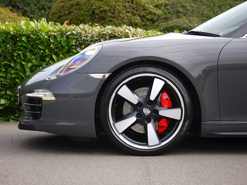 Porsche 911 50th Anniversary 3.8 Coupe PDK - Large 7