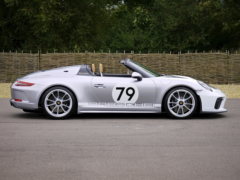 Porsche 911 4.0 Speedster - Heritage Design Pack - No 683 /1948 - Large 24