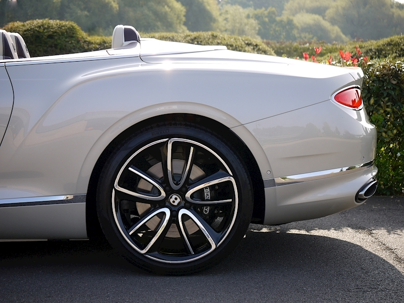 Bentley Continental GTC Mulliner W12 - Large 5