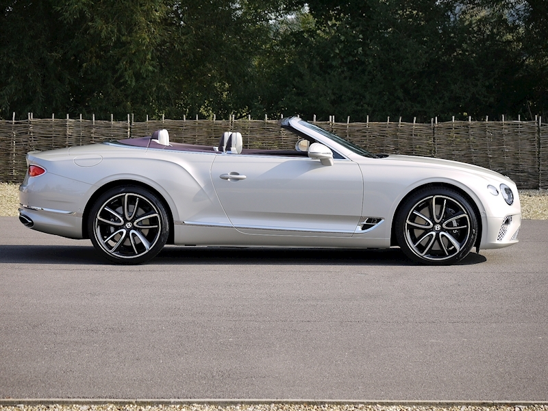Bentley Continental GTC Mulliner W12 - Large 23